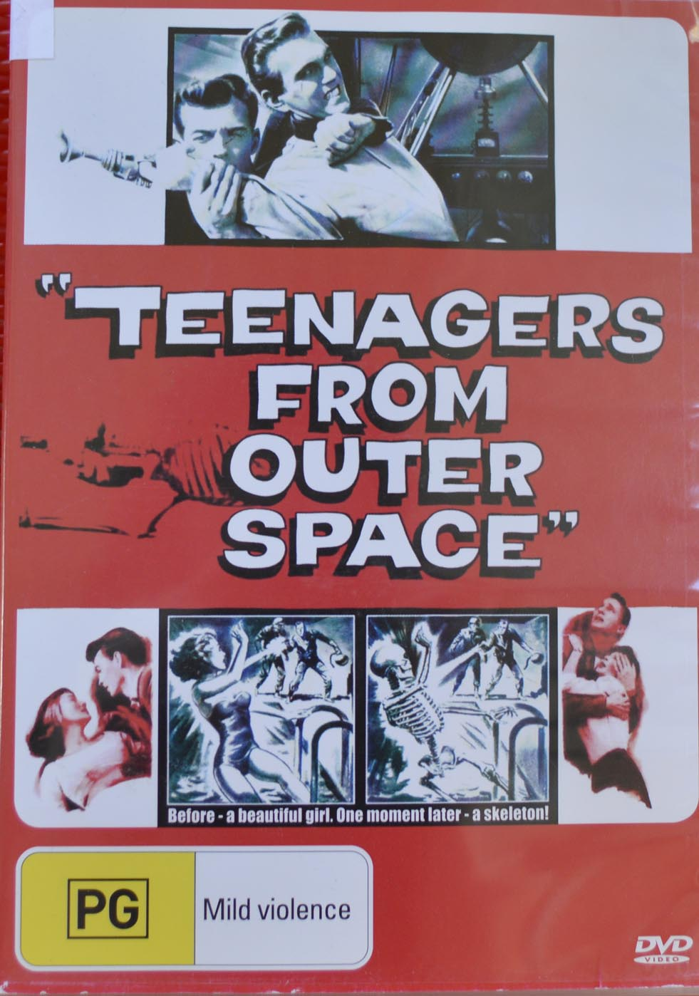 #review Teenagers from Outer space