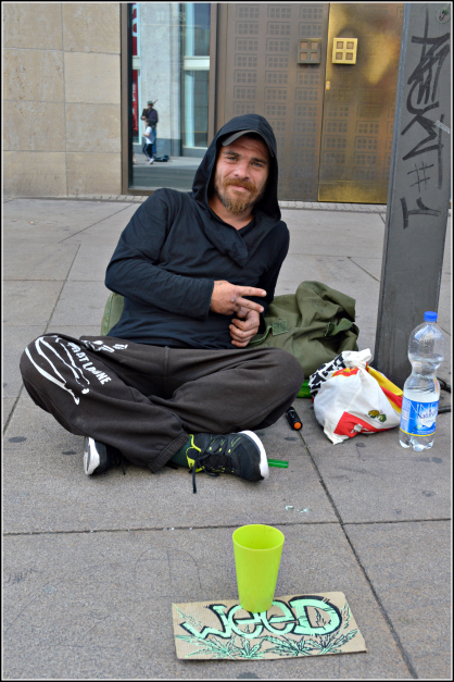 homeless Berlin Alexander Platz be kitschig