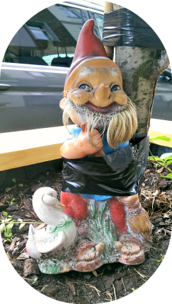 be kitschig garden gnome Berlin