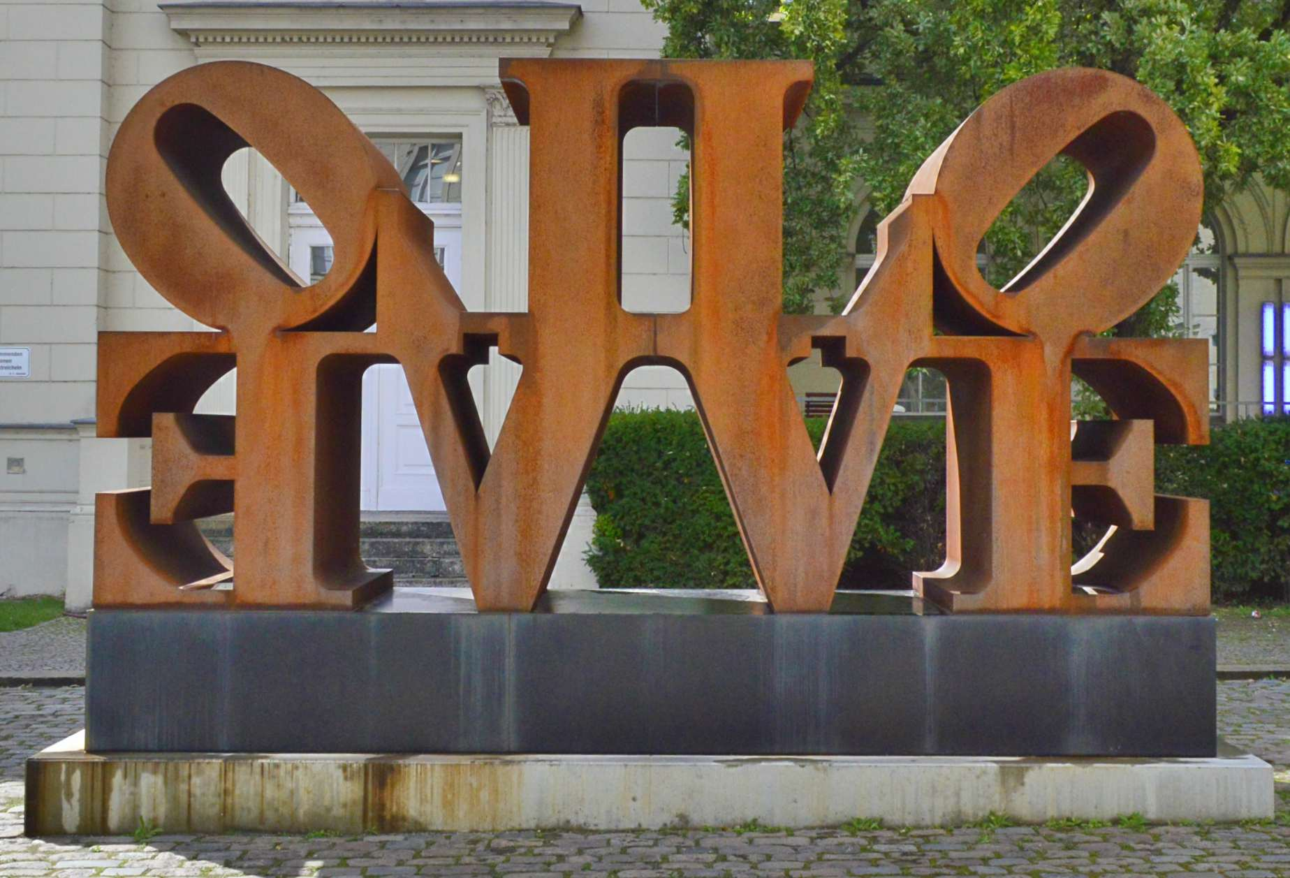 be kitschig Imperial Love Robert Indiana