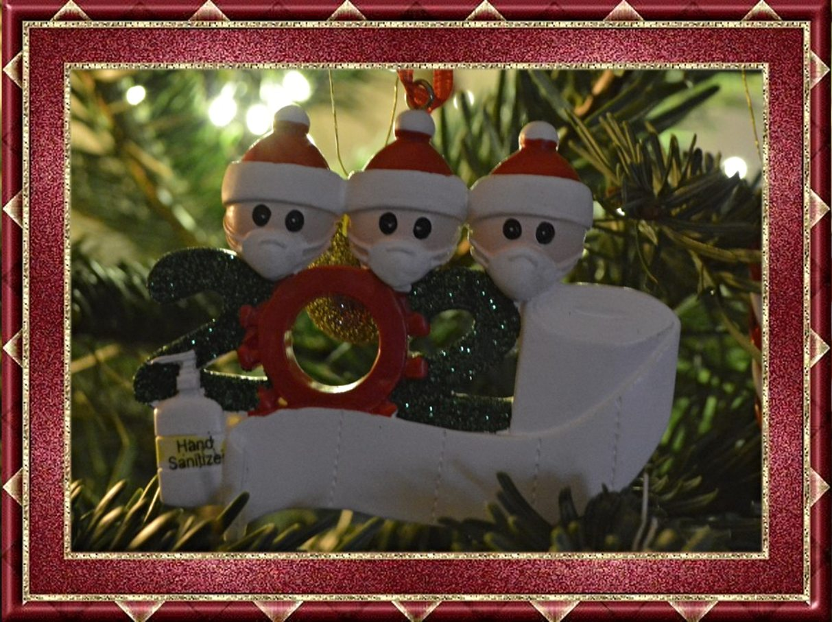 we survived 2020 tree ornament bekitschig blog happy new year